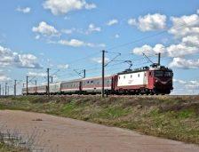 Din 10 septembrie, vor circula mult mai puține trenuri spre litoral