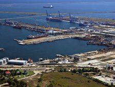 A început dragajul de întreținere în bazinele și șenalele porturilor maritime