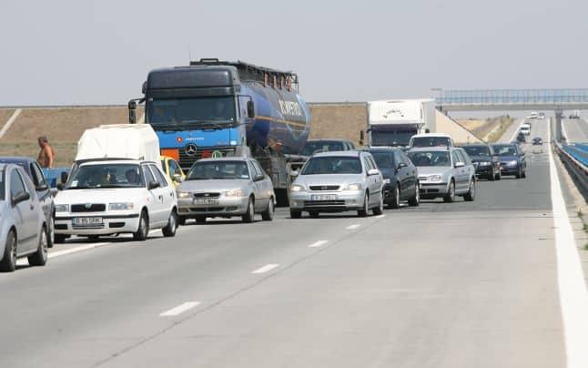 tiruri pe autostrada