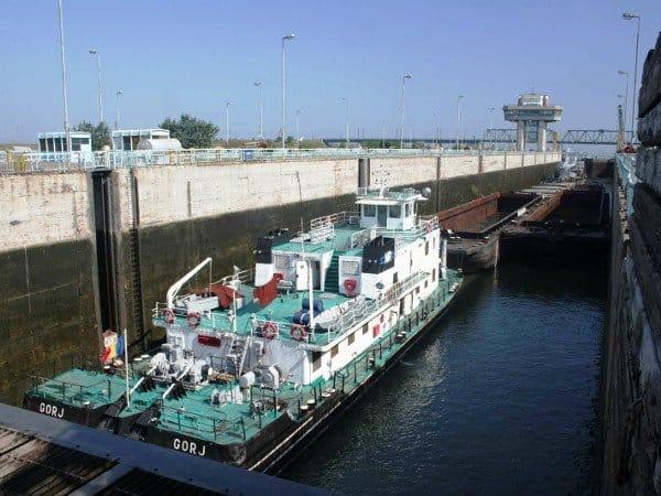 trafic pe canalele navigabile