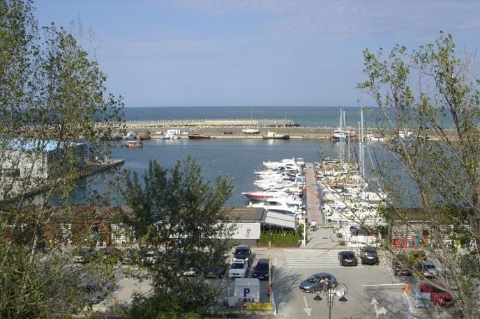 Vedere catre Portul Turistic Tomis