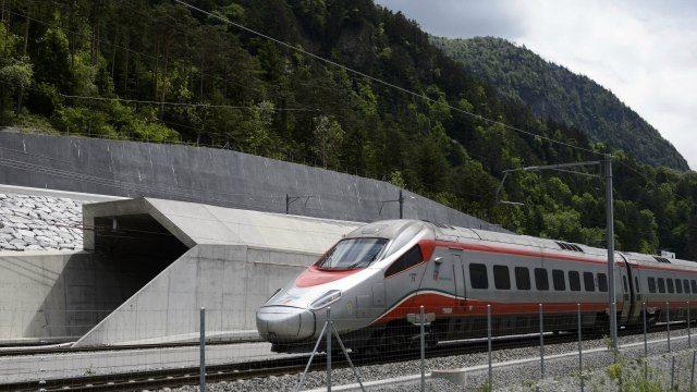 cale ferata elvetia