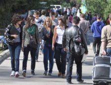 În curând începe noul an universitar! Unde se pot caza studenții?