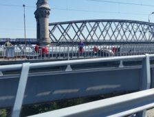 Defecțiune în tablierul viaductului de acces de la Podul de la Fetești! Se circulă doar pe o bandă