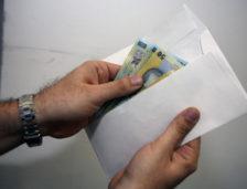 Bărbat din Tuzla arestat la domiciliu pentru trafic de influență! Ceruse bani pentru a interveni la primăria Eforie