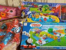 Trei bulgari au introdus în țară, pe la Negru-Vodă, mii de jucării contrafăcute
