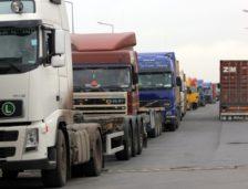 Nici transportatorii nu mai ies în stradă! Ce le-a promis ministrul Stroe