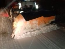 (VIDEO) Constanța. Ninge viscolit în tot județul, Regia de Drumuri acționează cu 48 de utilaje dotate cu lame