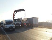 Mâine începe montarea parapeților de beton pe DN 39