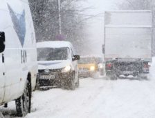 Traficul rutier pe DN 1A Cheia-Braşov, COMPLET  oprit vineri noapte