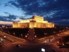 Deputații vor să știe câtă energie consumă Casa Poporului. Auditul energetic costă 1,2 milioane lei