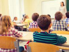 Schimbări MAJORE în învățământ. Educația financiară, noua disciplină școlară impusă în gimnaziu și liceu