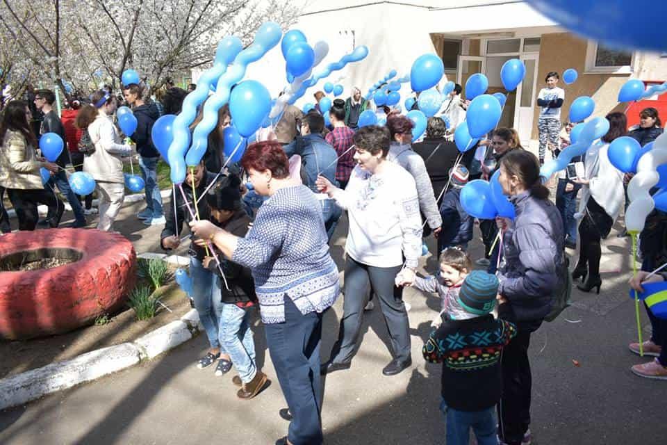 baloane albastre