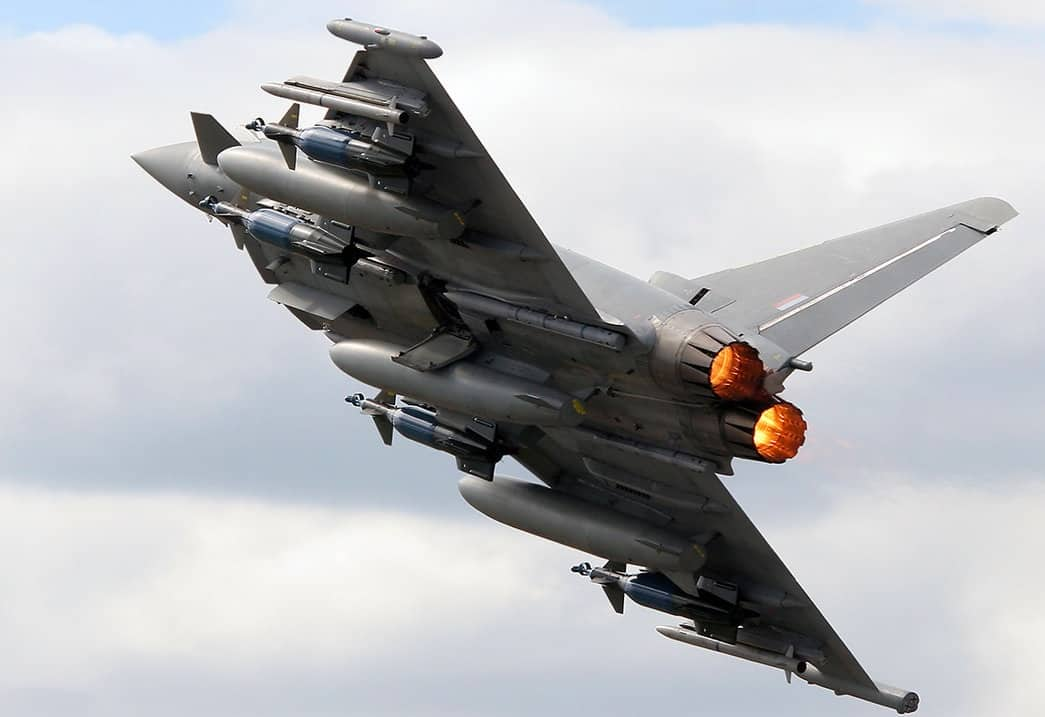 eurofighter_typhoon_f2__by_flyers1-d35y1jx