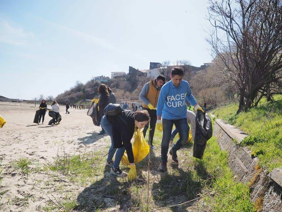 fagadau curata plaja modern – curatam constanta noastra