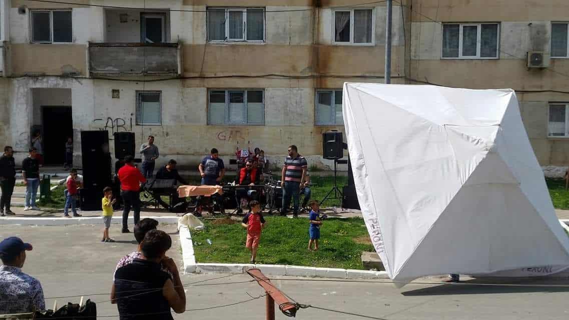 petrecere romi in strada – Harsova1