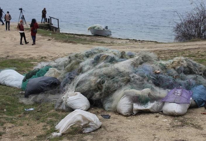 unelte pescuit distruse