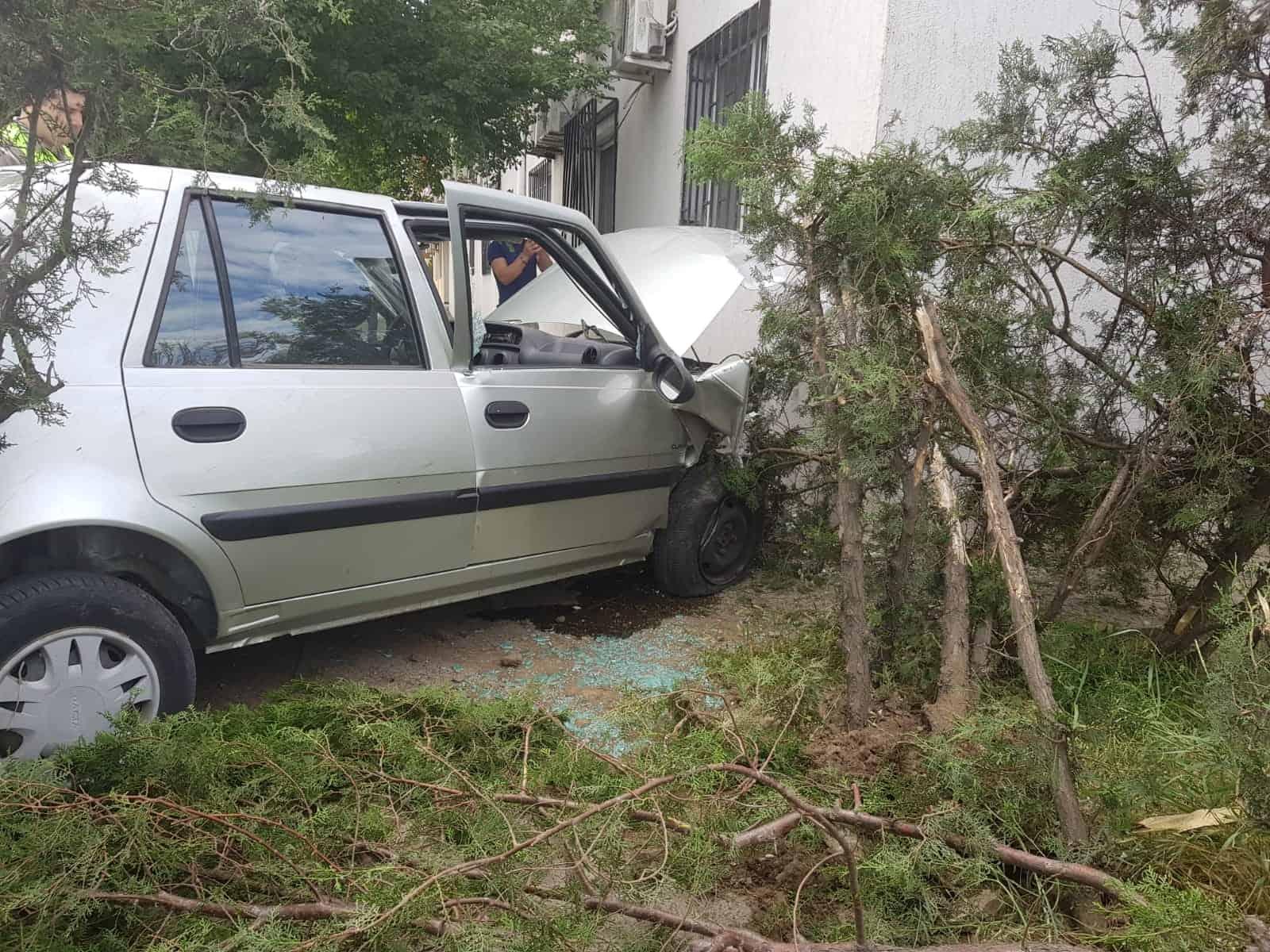 accident cu masina in bloc