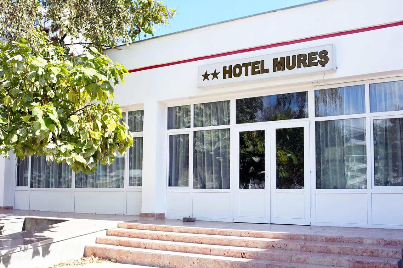 hotel mures saturn