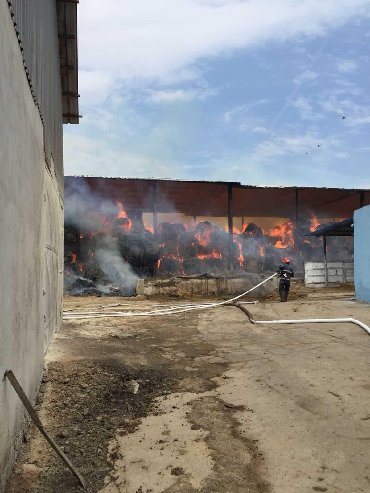 pompieri baloti paie 2