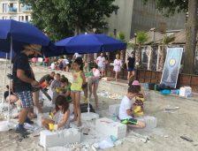 Elevi de la Palatul Copiilor au sculptat în aer liber, la Mamaia