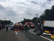 (Foto și video): Traficul rutier a fost blocat în zona intersecției de la Costinești! Cine e vinovat de producerea accidentului?