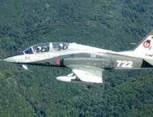 Piloții catapultați în județul Bacău, transferați la București! Zborurile cu aeronave IAR 99 Șoim sunt sistate