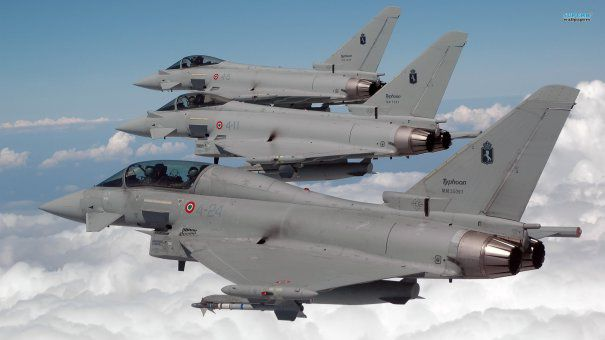 avioane typhoon