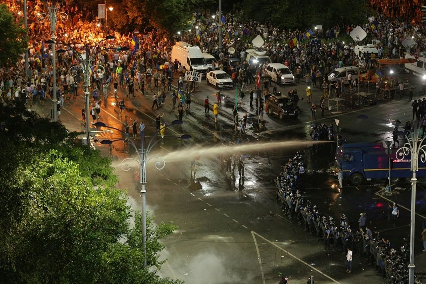 protest Piata Victoriei 10 august