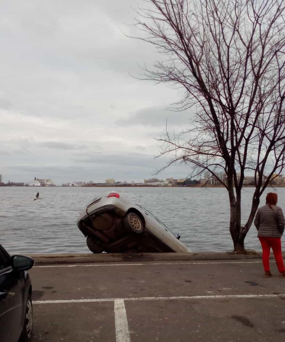 masina in lacul tabacarie2
