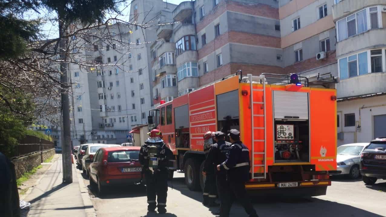 pompierii pe Aleea Garofitei