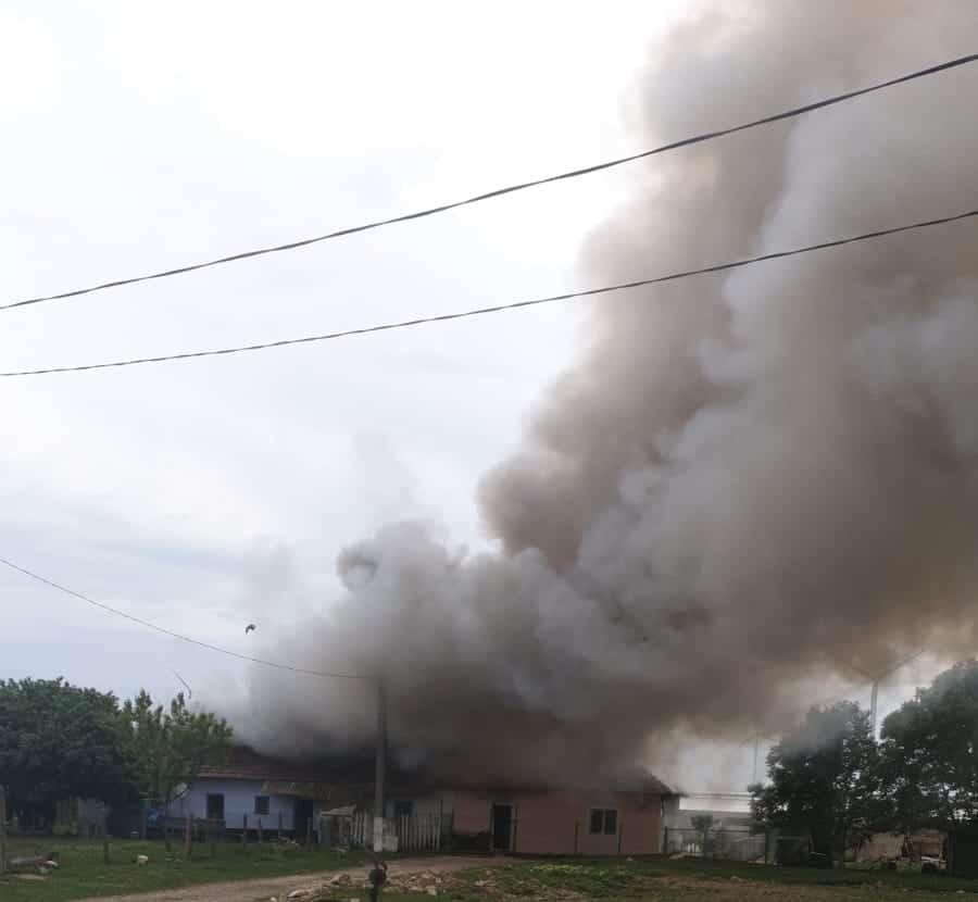 incendiu puternic casa