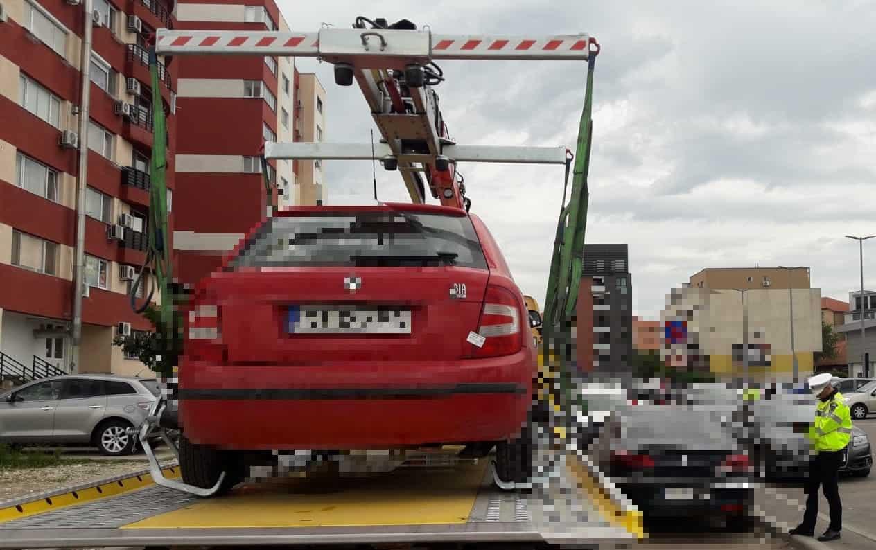 masini parcate aiurea