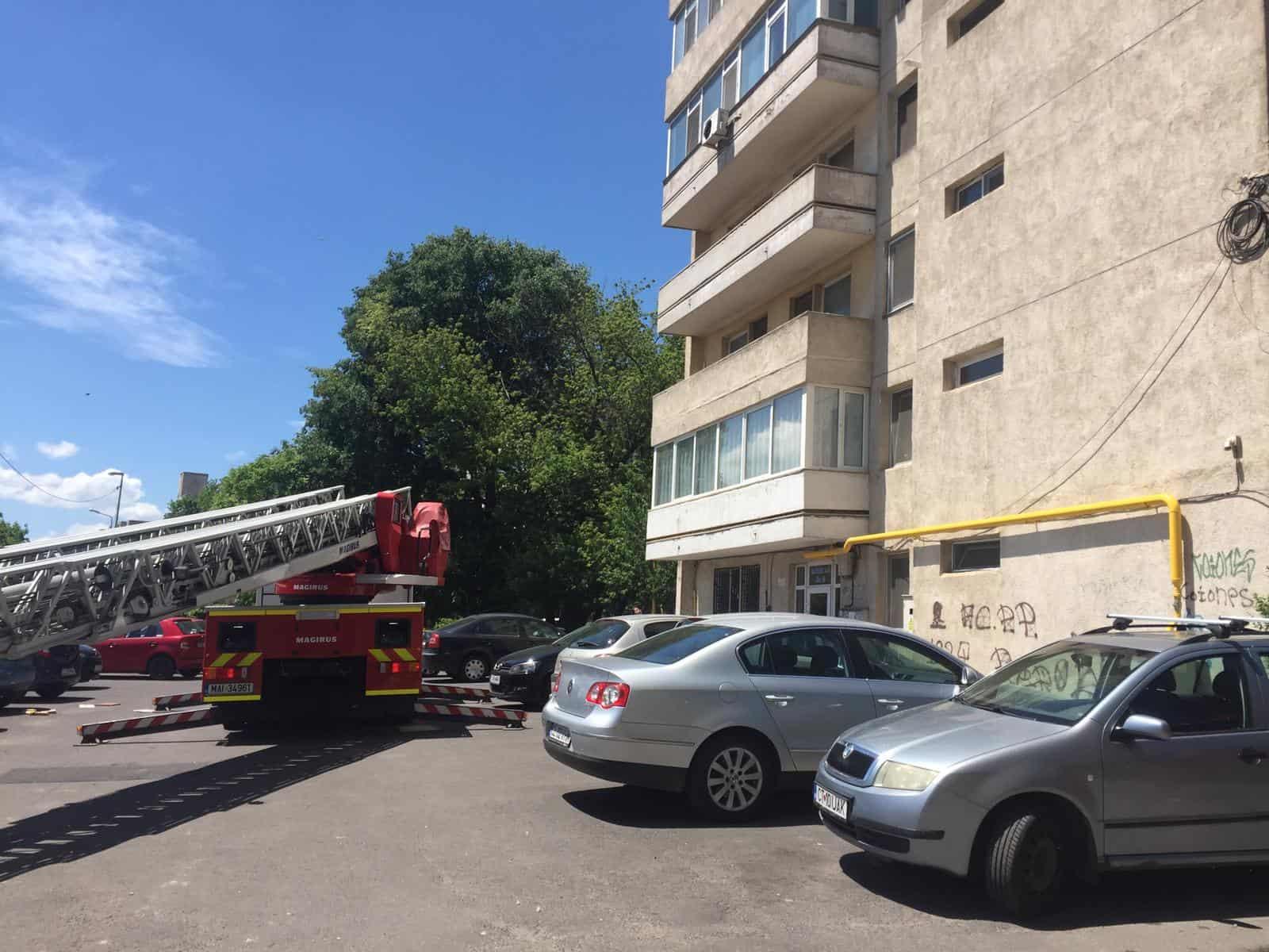 pompierii si politia2