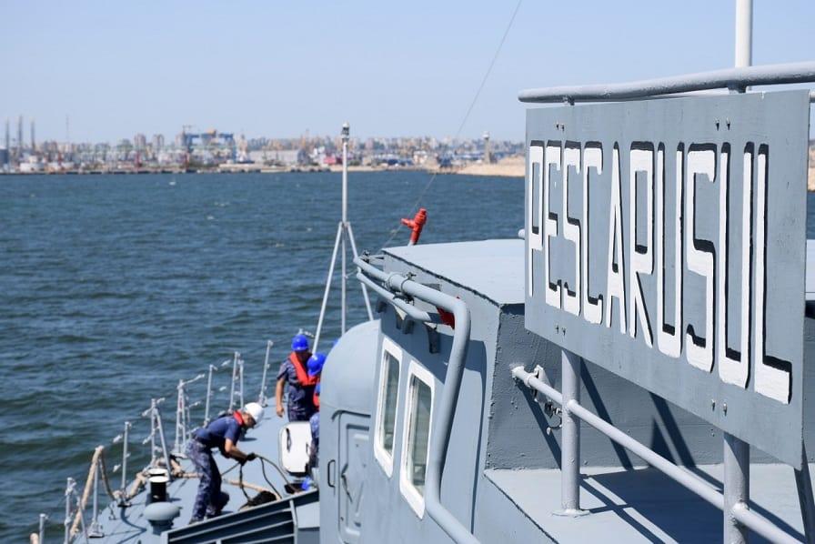 nava pescarusul5